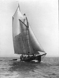 Surprise under sail 1923, Edwin Levick Photo